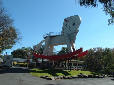 World's largest rocking horse